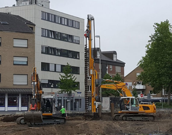 Trägerbohlwandverbau für den Neubau eines Kaufhauses